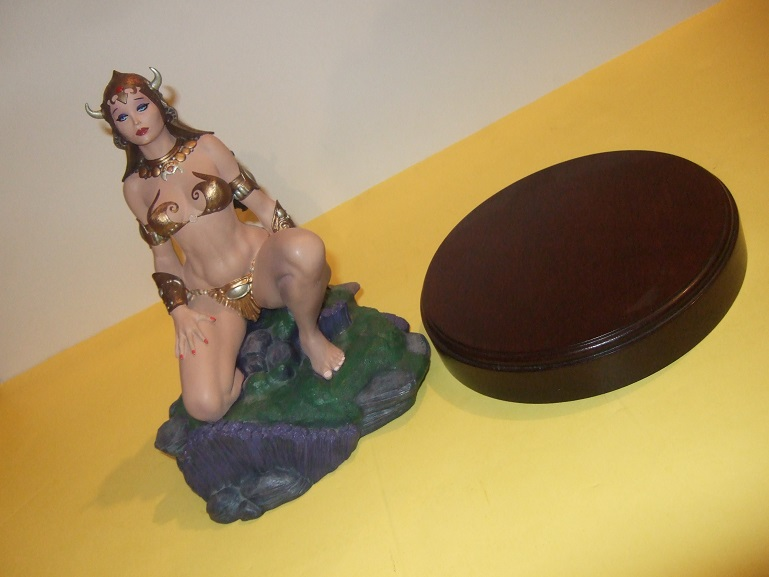 Image for Moore Creations # 1949 of 4000 (in ORIGINAL BOX ) Frazetta's Princess By Clayburn Moore - Cold-Cast Porcelain Figure Based on Princess Dejah Thoris By Frank Frazetta from The John Carter of Mars Series By Edgar Rice Burroughs ( Martian Novels / Barsoom )